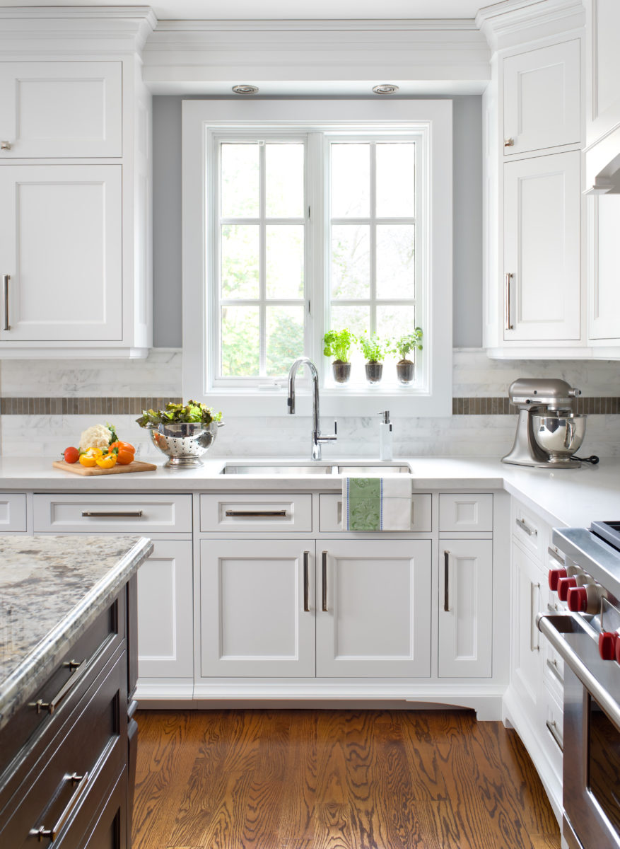 Shaker kitchen cabinets in white
