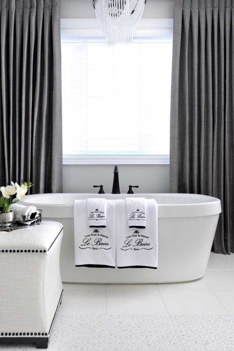 Parisienne style bathroom