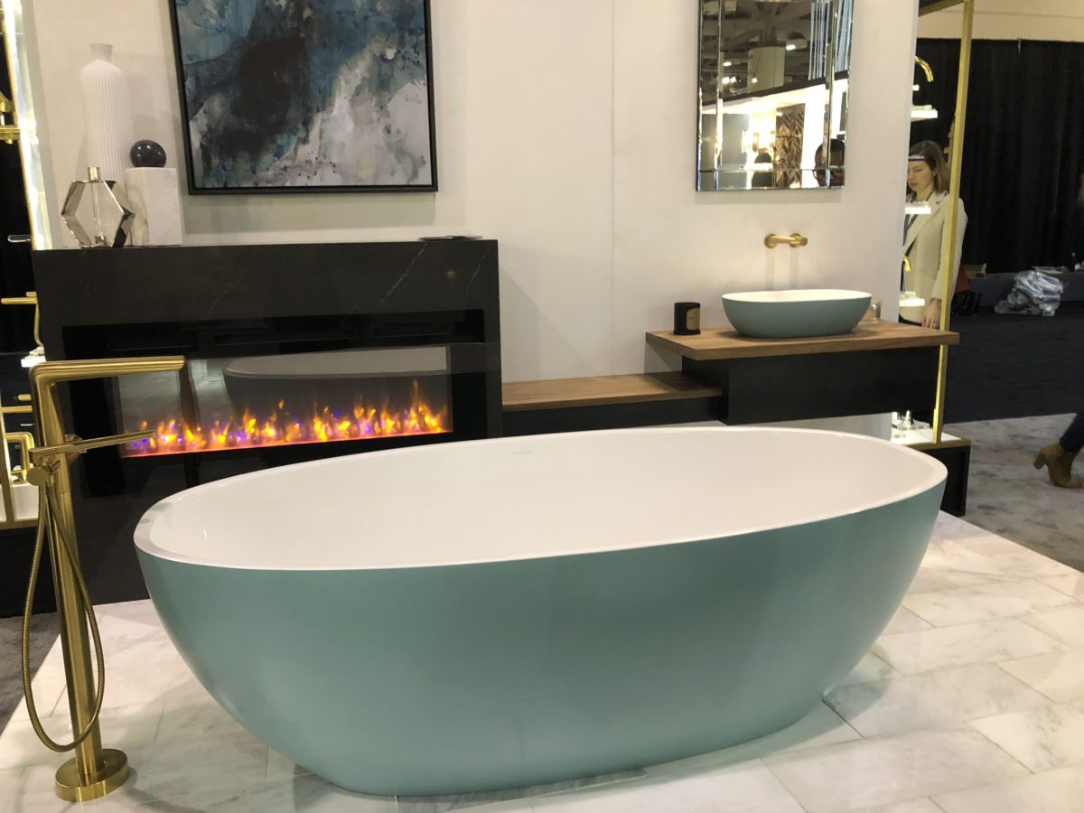 Victoria+ Albert Custom-coloured tub