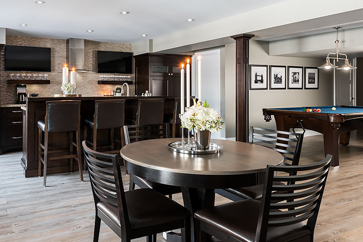 Dining Room With Servery. Learn More About Jane Lockhart Platinum Cabinetry.